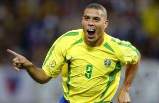 Fiquei irritado quando vi o cabelo ridículo do Ronaldo em 2002, diz Felipão.