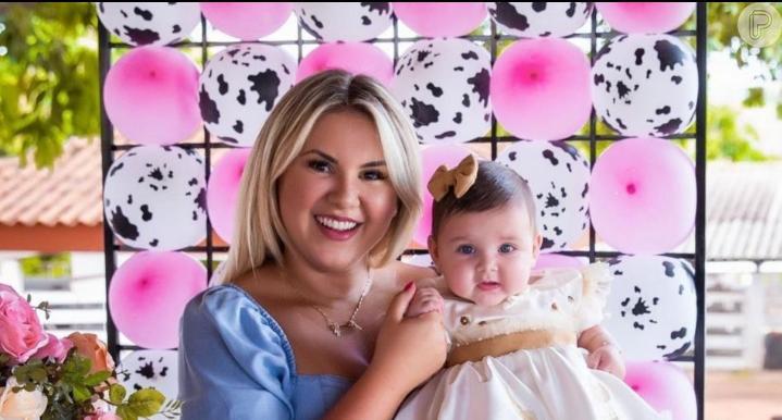 Angelina, filha de Zé Neto e Natália Toscano, cortou o cabelo pela primeira vez, aos 5 meses