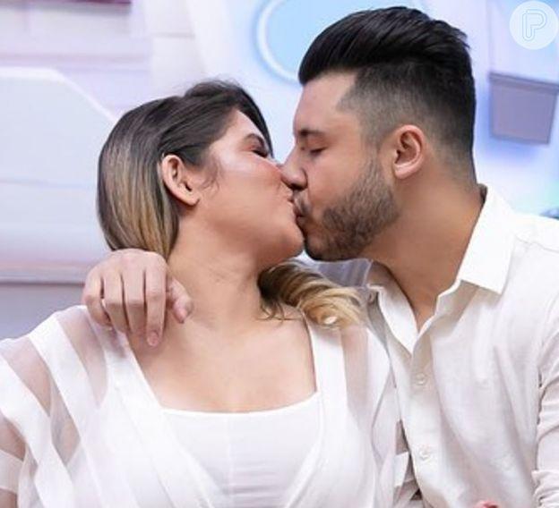 Marília Mendonça diverte Murilo Huff com declaração de amor na web