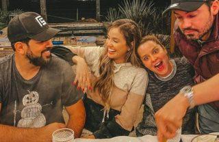 Noite romântica! Biah Rodrigues e Sorocaba se reúnem com Maiara e Fernando em jantar de fondue