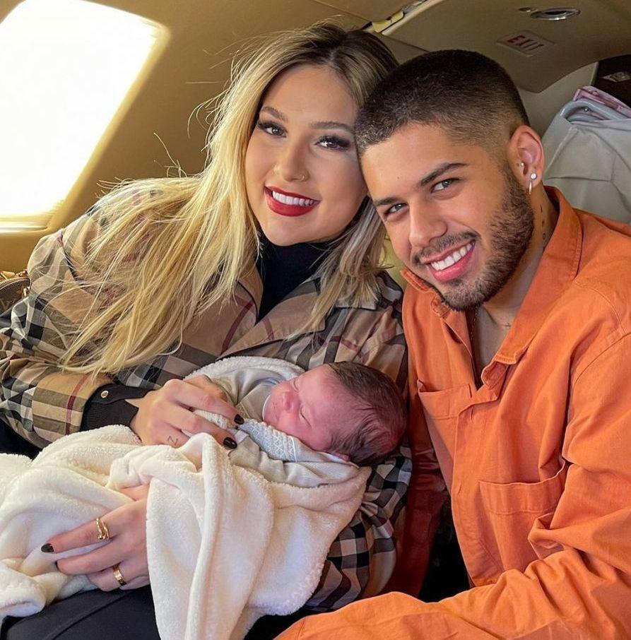 Zé Felipe posa com Maria Alice, filha com Virgínia Fonseca: 'Amor da vida do papai'